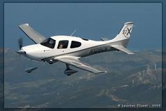 Flying over Corsica (Laurent CLUZEL) Tags: nikon aircraft corsica perspective sigma d200 eur 2009 cirrus avia garmin sr22 80400 xedition