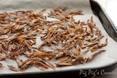 Spicy anchovies