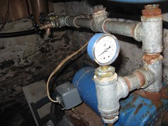 Water pump pressure gauge