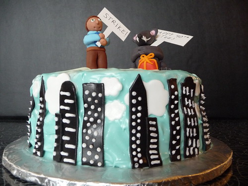 New York City Birthday Cake Uploaded By: suburbanmermaid