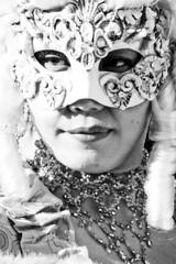 statua o maschera (Nicola Zuliani) Tags: venice carnevale venezia biancoenero maschere nizu nicolazuliani wwwnizuit