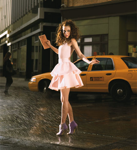 0302-emma-stone-as-carrie-bradshaw_li