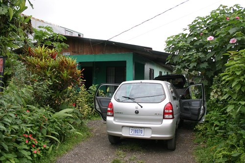 Ready to leave Sleep Inn Guesthouse in La Fortuna in our little Suzuki Alto, 800 ccm...