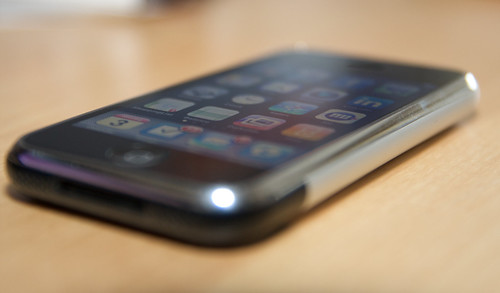 Apple iPhone f2.8