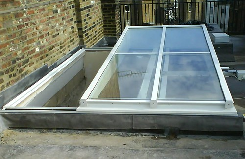DOK1: Semi retracting Roof Access Rooflight