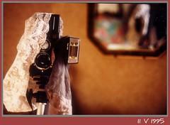 vieille photo volée (PPC) (verytallsam (connecté quand il peut)) Tags: stockings panties lubitel pied miroir bas dentelle miror ppc culotte 4x6 appareilphoto petitprojetcommun