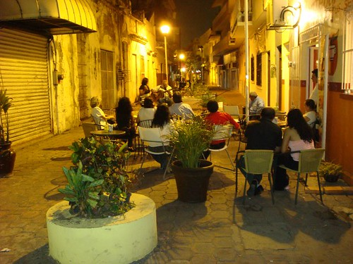 Live music in a callejón (little side street) in Veracruz.