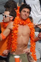 2009 04 30_7391e (Enrico Webers) Tags: street gay party shirtless orange hot holland guy netherlands dutch amsterdam canal day nederland hunk canals queens nl straatfeest 2009 ams grachten totally oranje 200904 queensday niederlande gracht koninginnedag streetparty vrijmarkt 30april grachtengordel
