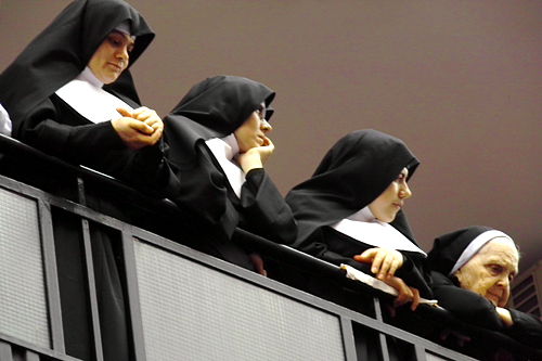nuns-waiting-for-virgin
