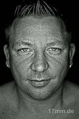 Gordon (17mm.de) Tags: people man face gesicht sw mann kopf blackwhitephotos