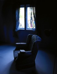 BLUE  CHAIR (io747) Tags: blue art chair loneliness kunst experiment livingroom blau farbe soe blaueshaus