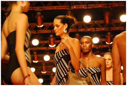 Desfile Santa Lolla - Pátio Belém Fashion Days verão 2009