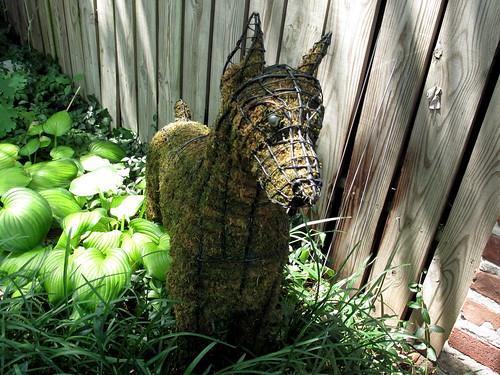 Dog Moss & Wire sculpture