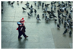 child & birds (pedramatic) Tags: bird birds child pigeon istanbul     pedram  450d abigfave canon450d  pedramatic  yenikamii yenikamiimeydanii