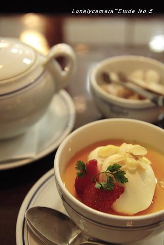 紅茶とプリン