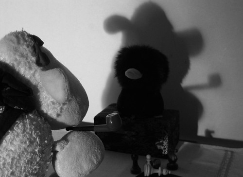 Looming Shadows - A Shaun Marlowe Story - Part 2 - The Count's Tale