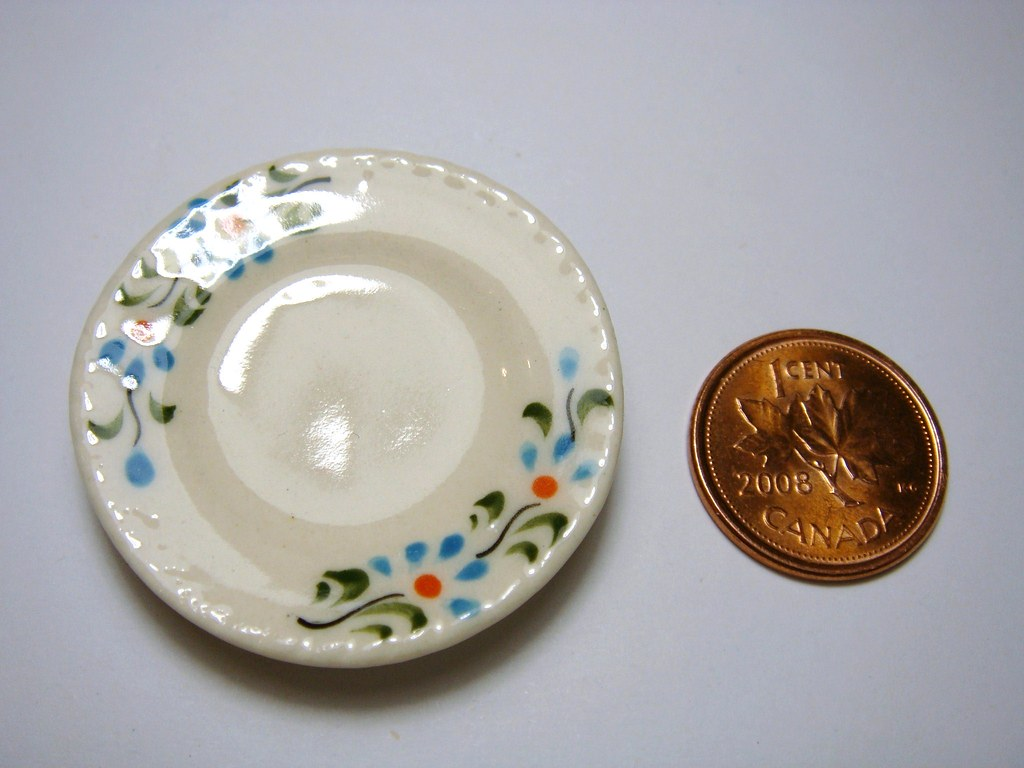 Dollhouse Miniature - Ivory Blue Flowers Ceramic Plates (Set of 4) - SUPPLIES