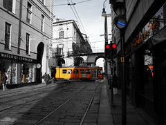 Les Jours Tristes (Nuxis [Davide]) Tags: street city red bw yellow shop torino strada blu sony tram center piemonte negozio semaforo alpha build citt palazzi storia yanntiersen lesjourstristes hisotory nuxis alpha350