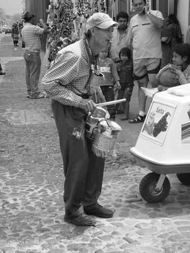 Street musician in Antigua.