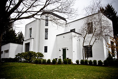 Bauhaus Home, 1929 (johnwilliamsphd) Tags: copyright white house newyork home architecture john williams c style upstate architect international bauhaus agfa 1920 binghamton 1929 southerntier dwelling  5photosaday williams exectutive john broomecounty johncwilliams johnwilliamsphd phd