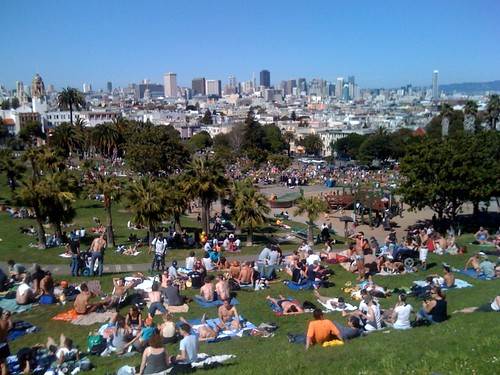 Dolores park in summer