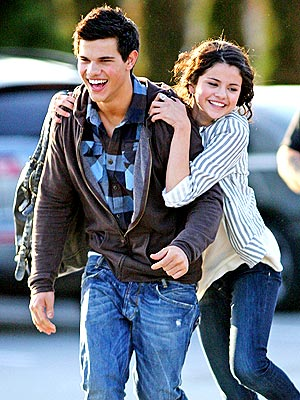 taylor-lautner-and-selena-gomez