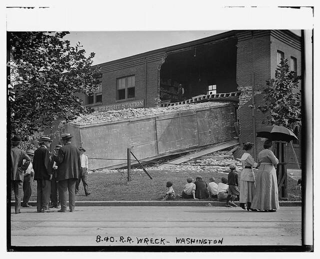 B&O RR wreck - Wash. (LOC)