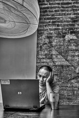 178/365 - frustration!!!! (iamdusky) Tags: blackandwhite brick apple wall laptop hdr photomatixpro 365days 365nov08