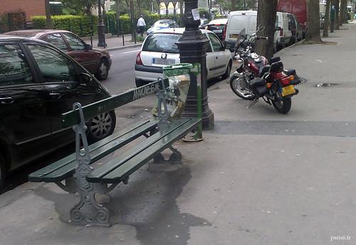 Banc public parisien
