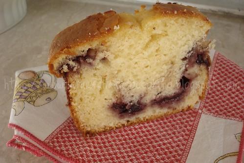 Plum cake con marmallata ai frutti di bosco