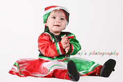 25 Feb (* AJ  *) Tags: red baby white black cute green girl canon studio aj photography photo model 26 flag 25 kuwait february feb soe strobe amna q8 nationalday    flickrsbest 25feb strobist abigfave   kuwaitnationalday