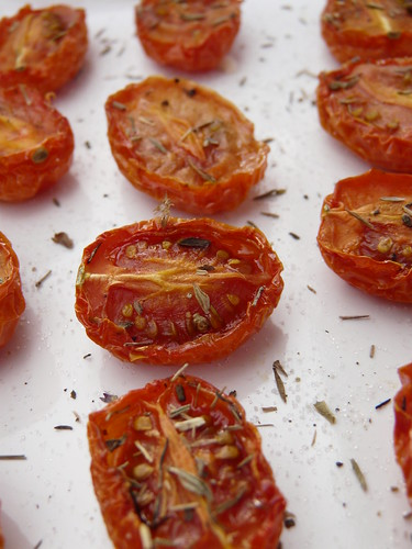 Oven Dried Tomatoes | A Wee Bit of Cooking