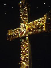 Lothair Crucifix (Aidan McRae Thomson) Tags: cross treasury aachen cameo jewels augustus schatzkammer lothair