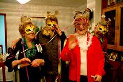party! (naftaline) Tags: christmas party navidad fiesta grandpa fête festa nochevieja mallorca palma abuelo baleares cotillon balears grandpère nöel antifaz