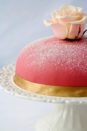 A Gluten-Free Prinsesstårta by emilia.s..