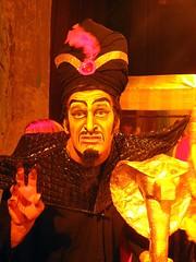 jaffar (Maria Chanourdie) Tags: new portrait people argentina teatro buenosaires play theatre scene actor aladdin nueva obra aladin interpretation escena jaffar aladino interpretacion entrebambalinas behindscene