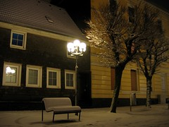 Velbert - Serenity (c-h-l) Tags: city schnee trees houses winter house snow tree night germany dark bench deutschland abend darkness nacht haus bank stadt nrw february bume 2009 velbert innenstadt februar strassenlaterne dunkelheit huser artificallight abigfave platinumphoto theunforgettablepictures thenewselectbest