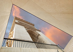 the Arc de Triomphe in Paris (*bratan*) Tags: paris france monument lines architecture stairs construction nikon arch perspective elyses shapes wideangle victory staircase arcdetriomphe champselyses toile escaliers sigma1020 grandangulaire bratanesque iadoreitd