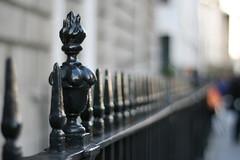 ! (_nejire_) Tags: england black london canon fence eos 50mm kiss dof bokeh trafalgarsquare explore railing 630pm fave20 niftyfifty 10faves 20faves sooc 25faves nejire 400d eos400d kissx fave10 mhashi fave25 planart1450ze 7925426g124529march
