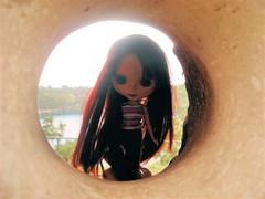 Lulu through the sculpture!