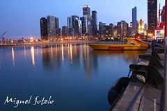 Navy Pier, Chicago Il (EL-PATO) Tags: sunset sky chicago water skyline night canon dark lens lights luces noche botes pier muelle boat illinois edificios agua zoom edificio navy il navypier cielos 1855mm 1855 soe xsi bote rasca 450d mywinners abigfave platinumphoto theunforgettablepictures platinumheartaward