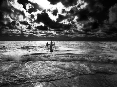 Agsayot (jrfphotography) Tags: ocean sea bw fish beach monochrome blackwhite fisherman waves afternoon fishermen philippines fishnet pointandshoot digitalcamera grayscale southchinasea olympuscamedia ilocosnorte northernphilippines pasuquin puyupuyan