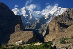 Baltit Fort (_skynet) Tags: travel pakistan mountain snow mountains trekking glacier backpacking karakoram hunza northernareas karimabad baltitfort karakoramhighway northernarea bluelist northernareasofpakistan northernareaofpakistan fotocompetitionbronze hunzapeaks hnuzapeak
