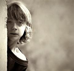 sokoliar Tom (vrc.photo) Tags: boy look behind sight
