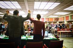 Broderskapsrörelsens kongress sjunger internationalen efter förhandlingarna