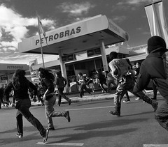 [Free Image] Society / Environment, Politics, Demonstration, Chile, Black and White, 201105260100