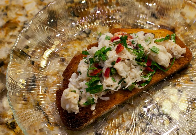 The tart lime juice and fresh mint gives the crab a wonderful clean flavor that is amazing paired with the moderately spicy chiles.