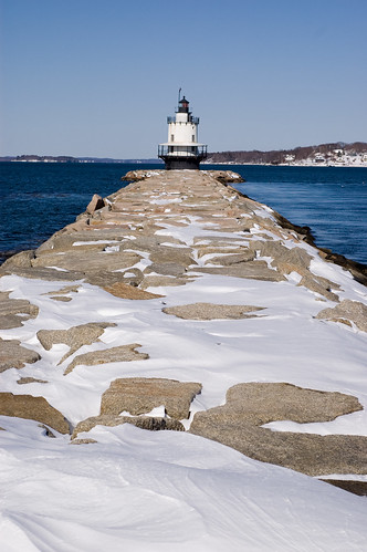 03.03.2009: Spring Point Light (by bookgrl)