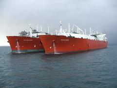 2007_0122hogmanyandtanker0037 (Kellydrever1) Tags: sea water orkney ship lpg scapaflow shiptoship
