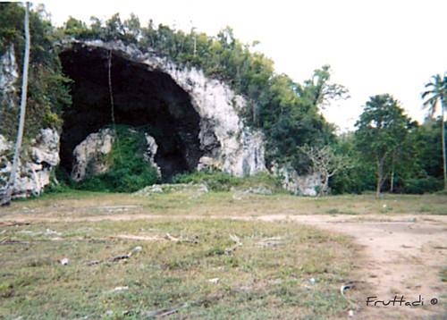 Cueva  Maria de la Cruz